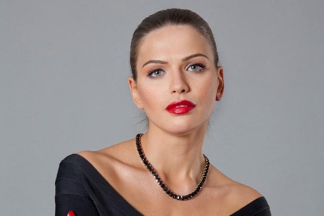 Как живется «главной стерве» российского кино с мужем, который старше на 18 лет