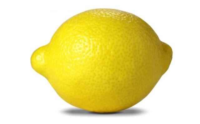 5 основных причин зачем ежедневно протирать лицо лимоном