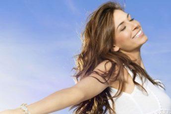 Говорите их чаще: 10 слов с мощной энергетикой, которые привлекают счастье
