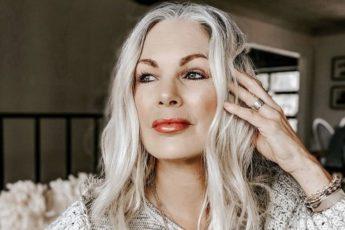 Элегантные стрижки 2020-2021 для женщин 40, 50 и 60 лет: свежие образы с омолаживающими стрижками