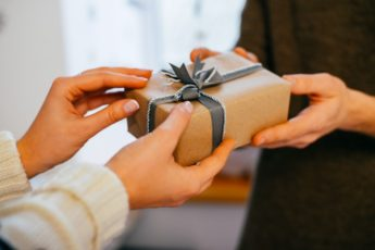 Опасные подарки. Чего следует остерегаться от дарителя