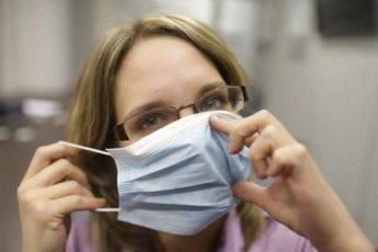 Нашла 3 отличных способа носить маску долго и не уставать от неё. Работаю продавцом и мне очень помогли советы