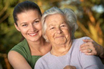 6 знаков Зодиака, которые не бросят пожилых родителей